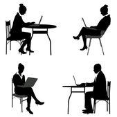 Mensen uit het bedrijfsleven werken op hun laptops silhouetten — Stockvector