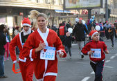 Unidentified participants of the sixth annual Belgrade Santas Race on Dec. 29, 2013 in Belgrade, Serbia — Stok fotoğraf