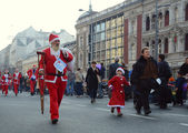 Unidentified participants of the sixth annual Belgrade Santas Race on Dec. 29, 2013 in Belgrade, Serbia — 图库照片