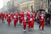 Unidentified participants of the sixth annual Belgrade Santas Race on Dec. 29, 2013 in Belgrade, Serbia — Stock Photo