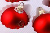Bolas de navidad rojo — Foto de Stock