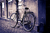 Classic vintage retro city bicycle in Copenhagen, Denmark — Photo