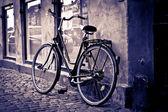 Klasický vintage retro městské kolo v kodani, dánsko — Stock fotografie