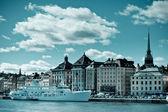 Una vista de la gamla parte medieval stan de la ciudad de Estocolmo — Foto de Stock