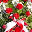 Composition of red and white flowers — Stock Photo #33433227