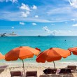 Beautiful beach in Philipsburg, Saint Martin, Carribean Islands — Stock Photo #34405683