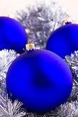 Hermosa colorida decoración adornos de Navidad — Foto de Stock