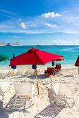 Beautiful beach in Philipsburg, Saint Martin, Carribean Islands — Stock Photo