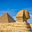 Pyramid of Khafre and Great Sphinx in Giza, Egypt — Stock Photo #37007525