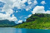 Vista del paradiso delle isole di moorea, la baia di cook, Polinesia francese — Foto Stock