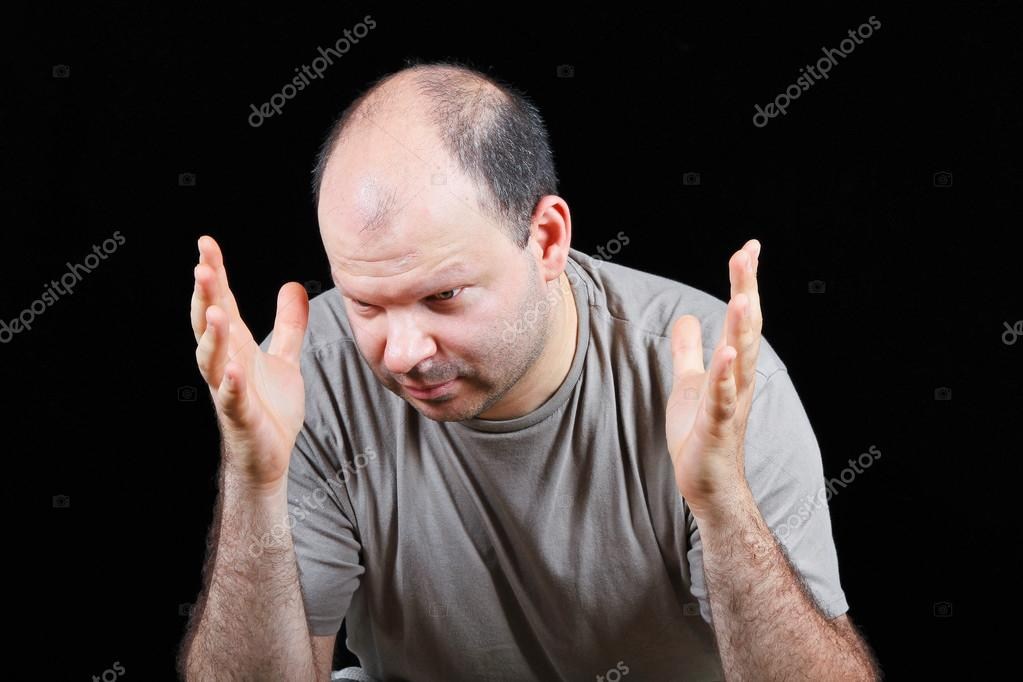 Devastated man worrying about hair loss problem — Stock Photo #13740311