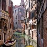 Venetian canal street — Stock Photo #13916185