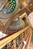 雪花石膏清真寺求雨 — 图库照片