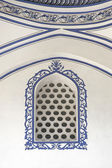 Mosque window — 图库照片