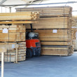 Foto Stock: Lumber warehouse