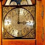 Old wooden clock — Foto de Stock   #3292538