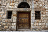 Old Lebanese Wall, Door, and Windows — Stock Photo