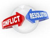 Conflict resolutie vastberadenheid geschil pijlen aan de overeenkomst beantwoorden — Stockfoto