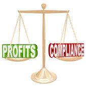 Bénéfices et la conformité en équilibre balance pesage mots — Photo