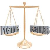 Pesage des points positifs et négatifs - choix sur échelle — Photo