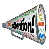 Porte-voix mégaphone attention envoie le message d'avertissement — Photo