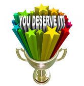 Vous le méritez reconnaissance récompense trophée d'or — Photo
