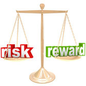 Risk Vs Reward Words on Scale Weigh Positives and Negatives — 图库照片