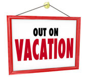 Out on Vacation Hanging Sign Store Office Closed — Stock Photo