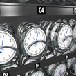 Buying Time Clocks in Snack Vending Machine — Stockfoto