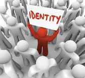 Homem de identidade segurando sinal marca única consciência de status — Fotografia Stock