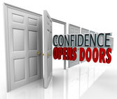 Confidence Opens Doors Words in Doorway — Stock Photo