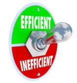Efficiënte vs inefficiënte tuimelschakelaar beter concurrerende advant — Stockfoto