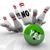Yes Bowling Ball No Pins Overcoming Objection Answer — Stock Photo