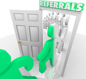 Referrals Customers Walking Through Store Door — Stock Photo