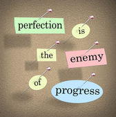 Perfection is the Enemy of Progress Saying Quote Bulletin Board — Stock Photo
