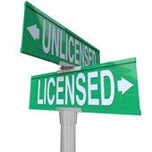 Licensed Vs Unlicensed Signs — Stock Photo
