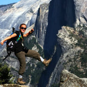 Hiker at the Edge - Yosemite — Stock fotografie