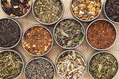 Grün, weiß, schwarz und Kräuter Tee — Stockfoto