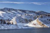 Mountain lake in winter — Stock Photo
