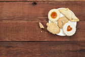 Cookies on rustic table — Stock Photo