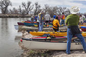 Preparing kayaks and canoes for launch — Stok fotoğraf