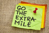 Go the extra mile reminder — Stock Photo