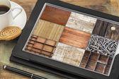 Wood texture on digital tablet — Stock Photo