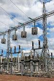 ловушка накладки (вч-пробка) на линии электропередачи высокого напряжения — Стоковое фото