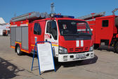Fire tank truck ISUZU — Stock Photo