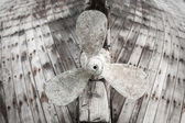 Old wooden fishing boat propeller — Stock Photo
