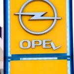 ������, ������: Broken Opel Sign