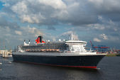 Queen mary 2 the great luxury cruise ship — Stock Photo