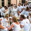 Diner en blanc - White Dinner — Stock Photo