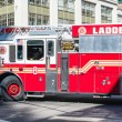 NYFD vehicle in midtown Manhattan — Stock Photo